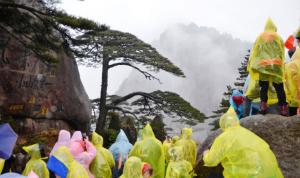 旅游景区卖一次性雨衣赚钱项目